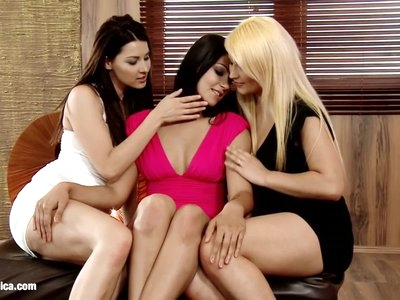 Lovemaking the lesbian way with Klaudia and Lana on Sapphic