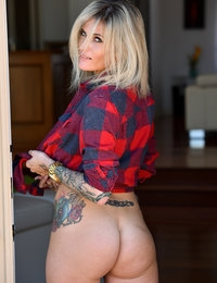 My name is Franki and im somewhat new to modeling but definitely new to porn. I was actually hoping that my 1st shoot would be with FTV because I loved the cover pages some other models had posted. Such a crazy day! Orgasms, to public nakedness jeez haha I just hope you guys love it! Thanks so much xoxox!