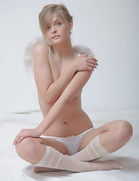 Lovely nude angel