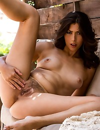Lola Pearle shows off her nice, smooth body