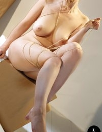 Lotti Rose wrapped and ripped
