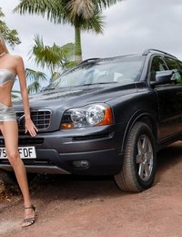 Eroberlin-Chanel-skinny-blond-girl-fuck-my-Volvo