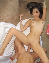 Horny babe wants to experience sexual bliss