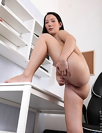 Nubiles.net - featuring Nubiles Dee Lish in black-chair