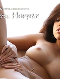 Dillion Harper gives a perfect show