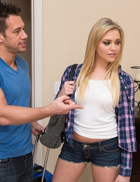Mia Malkova and Johnny Castle  - Naughty America