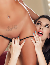 August Ames and Jelena Jensen lick each others wet pussies