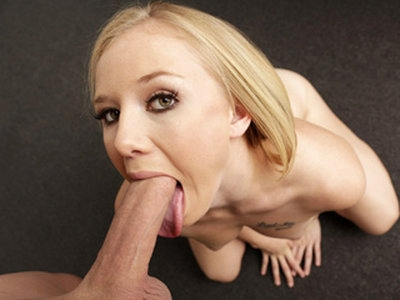 Sweet pretty blonde babe Tracey Sweet sucks a big hard dong perfectly