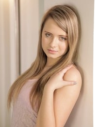 Gorgeous teen Hartley debuts her first nude scene