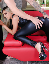 Allie Eve Knox spreads her legs and welcomes a big cock