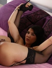 Gorgeous Lady Dee enjoys ass to mouth action