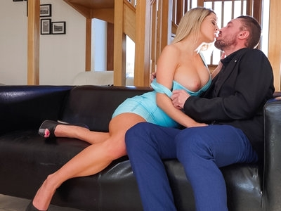 Blonde bombshell Sienna Day gets rammed by large cock !