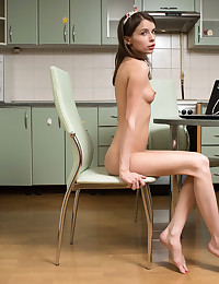 Nubiles.net - featuring Nubiles Jemma in pussy-play
