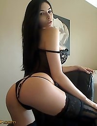 Free CamWithHer.com Photo Gallery photo #10
