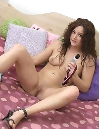 :: TeamSkeet.com Presents: SoloInterviews.com starring Bella Rossi in Danger Tight Pussy Ahead:: photo #5
