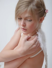 Lovely nude angel photo #11