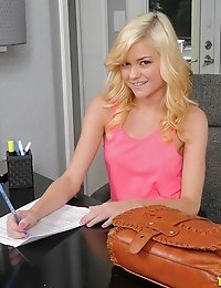 """First Time Auditionsâ""""¢ Presents Chloe Foster in Pretty In Pink- Movies And Pictures photo #2"""