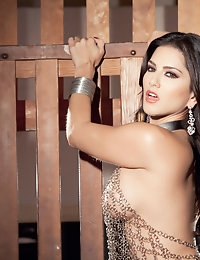 Nude Pics Of Sunny Leone In Sunny Unchained - Babes.com photo #7
