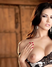 Nude Pics Of Sunny Leone In Ecstatic Orgasm - Babes.com photo #1