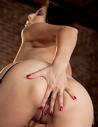 Nude Pics Of Sunny Leone In Ecstatic Orgasm - Babes.com photo #6