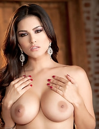 Nude Pics Of Sunny Leone In Ecstatic Orgasm - Babes.com photo #8