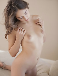 20503 - Nubile Films - Words Can Not Describe photo #7