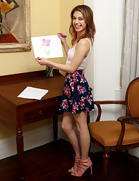 BUDDING ARTIST with Kristen Scott - ALS Scan photo #2