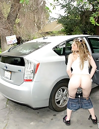:: Teamskeet.com presents Alice White's Sexy Pictures in Skeeting At The Car Wash :: photo #4