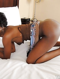 :: Teemskeet.com presents Ivory Princess' Sizzling Video in Teeny and Pink :: photo #8