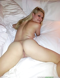 :: Shesnew.com presents  Stella's Sexy Pictures in Vacation Blowjob :: photo #10