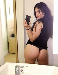 :: Shes New.com presents Sadine G's Sexy Photos in Big booty on the glass :: photo #2