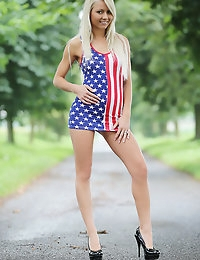 Country bench - FREE PHOTO PREVIEW - WATCH4BEAUTY erotic art magazine photo #7