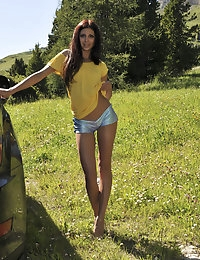 Eroberlin-Julia-russian-teen-hot pants-bella-italia photo #6