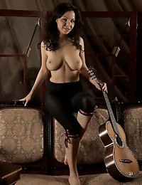 Fedorov-hd-Skarlet-guitar-lesson-natural-big-boobs-girl  photo #7