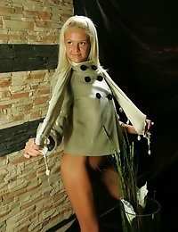Fedorov-hd-Sarah-flower-power-little-blond-teen-girl  photo #2