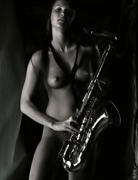 Fedorov-hd-Anastasija-sucking-sax-long-hair-simple-beautiful  photo #3