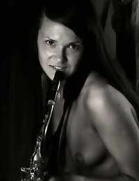 Fedorov-hd-Anastasija-sucking-sax-long-hair-simple-beautiful  photo #4