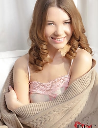 :   single   : Free picture gallery : Euro Teen Erotica - The sweetest and most beautiful girls on the net!   single    photo #1