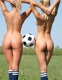 SANDY A & MARINA C   BY OLEG_MORENKO - SOCCER - ORIG. PHOTOS AT 4300 PIXELS - © MET-ART FREE GALLERY photo #13