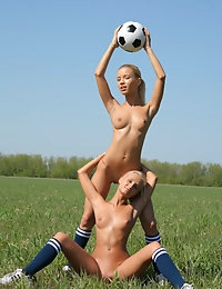 SANDY A & MARINA C   BY OLEG_MORENKO - SOCCER - ORIG. PHOTOS AT 4300 PIXELS - © MET-ART FREE GALLERY photo #3