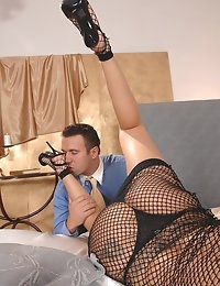 :: Hot Legs and Feet.com - Lulu < Titus Steel -  - The Ultimate Leg < Foot Fetish site on the Net - Footjobs, Sexy Legs, Stockings, LegSex photo #6