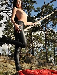 Eroberlin Lilu Victoria cameltoe leggings teen nature Finland photo #15