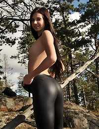 Eroberlin Lilu Victoria cameltoe leggings teen nature Finland photo #16