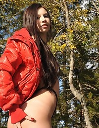 Eroberlin Lilu Victoria cameltoe leggings teen nature Finland photo #3