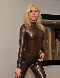 Eroberlin Lisa hardcore latex fetish fuck photo #1