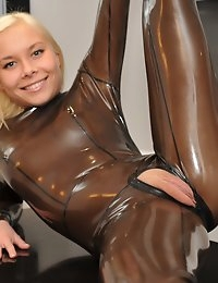 Eroberlin Lisa hardcore latex fetish fuck photo #10