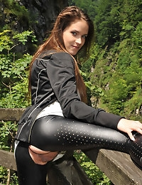 Eroberlin Silvie de Lux public sex austrian rocky gorge photo #11