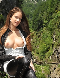 Eroberlin Silvie de Lux public sex austrian rocky gorge photo #12