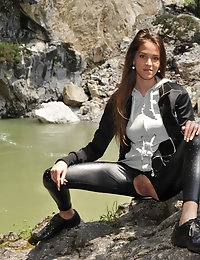 Eroberlin Silvie de Lux public sex austrian rocky gorge photo #6