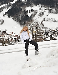 Eroberlin Anna Safina Apres Ski Austria russian blonde photo #1